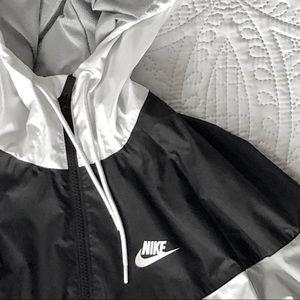 Nike Jackets & Coats - Nike Sportswear Windrunner Jacket Men's
